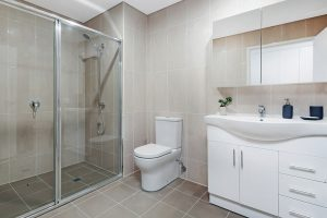 Donington Gardens Apartment Bathroom